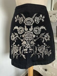 TOP SHOP Black Denim Mini Skirt Dramatic Silver Floral Embroidery UK 12