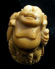Buddha geschnitzt aus einer Tagua - Nuss !