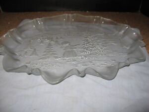 MIKASA Large Clear glass Scalloped Christmas Serving Tray with frosted edges EUC