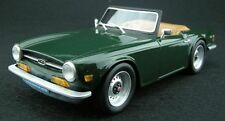LUCKY STEP COLLECTIBLES 002A TRIUMPH TR6 resin model road car green 1:18th scale