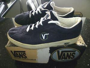 "VANS - ORIGINAL c1994 VINTAGE ""WALLY"" NAVY BLUE SUEDE TRAINERS (11/EURO 45)"