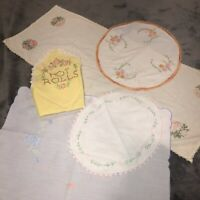 Lot of 5 Vintage Embroidered Linens Hot Rolls Cover Runners Doilies Retro Granny