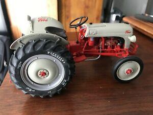 Ertl 1:16 scale Ford 640 Tractor - Precision Series