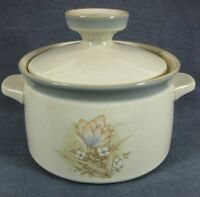 Noritake Autumn Day 8353 Covered Casserole with Lid Stoneware 1.25 Quart