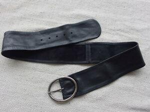 Ladies Loop Black Leather Belt With Large Metal Buckle  Sz M  7cm X 105cm Length