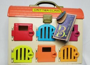 B. Critter Clinic Veterinary Animal Hospital Cage - Case Only No Keys Pets Tools
