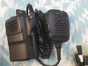 VERTEX STANDARD VX 821 G7-5 + Speaker Mic - 16ch UHF 450-512 MHz Two Way Radio