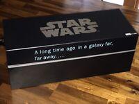 STAR WARS FORCE PACK GIFT SET (Medal of Yavin, Darth Vader, Boba Fett Gauntlet)