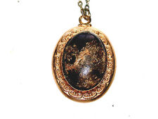 """Beautiful Vintage Gold on Black Stone Pendant On An 18"""" Chain"""