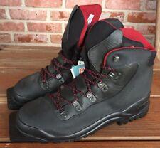 NWOB Garmont Mens Waterproof Gore Tex Hiking Ski Boots Vibram Size 10 Italy
