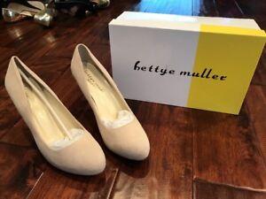 Bettye Muller Beige Suede Leather Heels, Size 38.5 (EUR), 8.5 (US) NIB!