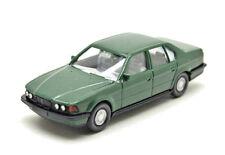 Wiking  192/1    BMW 750i (e32) Limousine -  kieferngrün