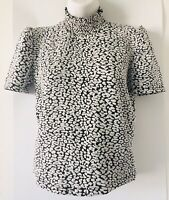 NWT ZARA Woman Black White T- SHIRT WITH PUFF SLEEVES Short Sleeve Size S O2255