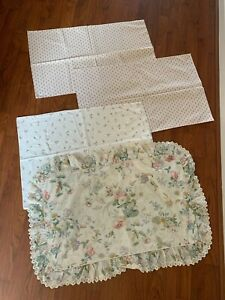 Bundle of Vintage Pillowcases - Bold Floral Flower Frill Retro Material