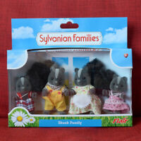 Sylvanian Families SKUNK FAMILY Flair Calico Critters
