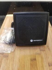 NEW Motorola HSN4031B Two Way Radio  External Speaker w/Mount Screws Plug
