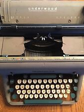 Antique UNDERWOOD SX Model  TYPEWRITER Gray Body White Green Keys All keys work
