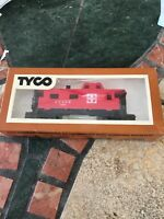 TYCO 327-22 40' CABOOSE - SANTA FE - HO SCALE - CLEAN AND GOOD - NICE ITEM