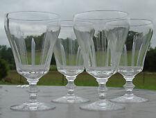 Sèvres - Lot de 4 verres à vin rouge en cristal taillé. Verres signés