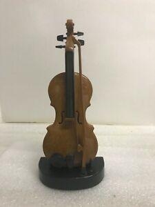 Vintage Virtuoso Electronic Violin by Carlisle