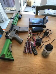 BB Gun - CYMA CM516 M4 with URX Style Handguard in Desert Tan, With Accessories.