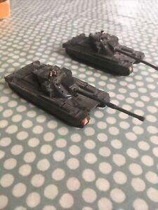 Roco Minitanks X 2 Chieftain Tanks 1:72/HO Scale Used Condition Missing Wheels