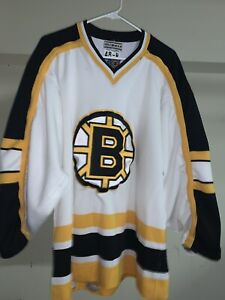 Authentic Boston Bruins 48 48-R CCM Jersey Center Ice Vintage 90s Starter