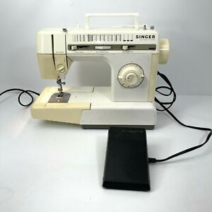 Singer 4832C Easy Thread Electronic Control Sewing Machine w/ Pedal