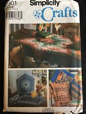 Pattern Simplicity 9501, pillows, place mat, napkin, tabletopper, teas cozy