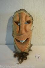 C7 Beau masque tribal africain