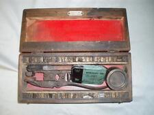 ANTIQUE ANIMAL EAR TATTOO KIT IN ITS BOX.  VETERINARY USE (By ARNOLD & Son.)