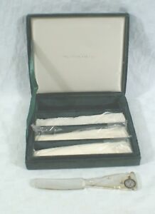 NEW In BOX Saks Fifth Avenue Godinger Silver Art Cheese Butter Knives Spreaders