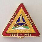 Alice Springs Memorial 1983 Silver Jubilee Bowling Club Badge Pin Rare (M15)