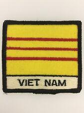 U.S. Army Vietnam War Vietnam Flag cloth patch badge