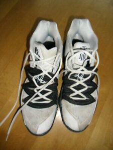NIKE Basketball Sneakers KYRIE 5 aus den USA Gr 45 (US 11) white black