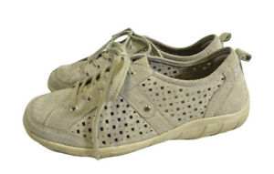 PLANET SHOES. 9.5. Pale Grey leather & Fabric sneakers. So comfortable. EUC