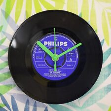 """The Four Seasons 'Let's Hang On' Retro Chic 7"""" Vinyl Record Wall Clock"""