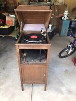 Antique Edison wind up diamond record phonograph player LU37