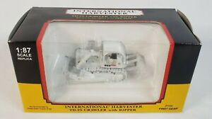 International Harvester TD-25 Crawer w/ Ripper White By First Gear 1/87 Scale