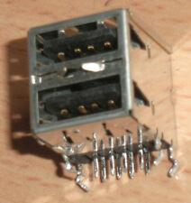 2x USB MOLEX Doppelbuchse aus Mainbaord ausgelötet