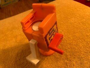 Vintage 1977 Play-Doh Fuzzy Pumper Barber Shop Chair Monster Barber Shop