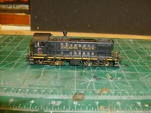 HO BACHMANN S-4 W/ 2 BODIES IN NORTHERN PACIFIC LIVERY W/SOUND VALUE DECODER