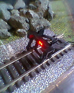 HORNBY 00 GAUGE BUFFER STOP WITH BLINKING RED LED LIGHT DC & DCC