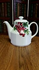 ROYAL DOULTON VINTAGE GRAPE TC 1193 TEA POT with lid EXCELLENT CONDITION