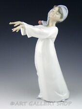 Lladro Figurine LITTLE SLEEPWALKER BOY IN NIGHT GOWN #6482 Retired Mint