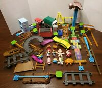 TOY STORY 3 JUNKYARD ESCAPE STUNT SET Lot With Figures Not Complete