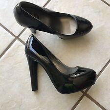 G by Guess GGVOXI Black Platform Spike Dress Heels Career Party Pumps 7.5 MINT