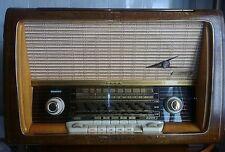 Radio/Tocadiscos Loewe Opta Alemán Funciona bien ,tiene FM