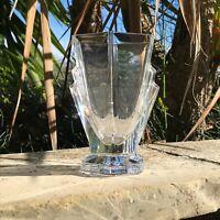 Beau vase artdeco hexagonal  en cristal de Sevres, no St Louis, no Baccarat