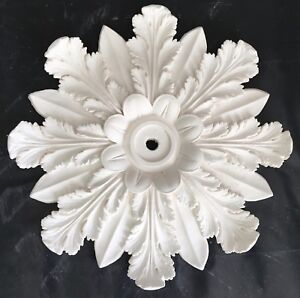 R74 Ceiling Rose in Fibrous Plaster - 520mm - COLLECTION ONLY